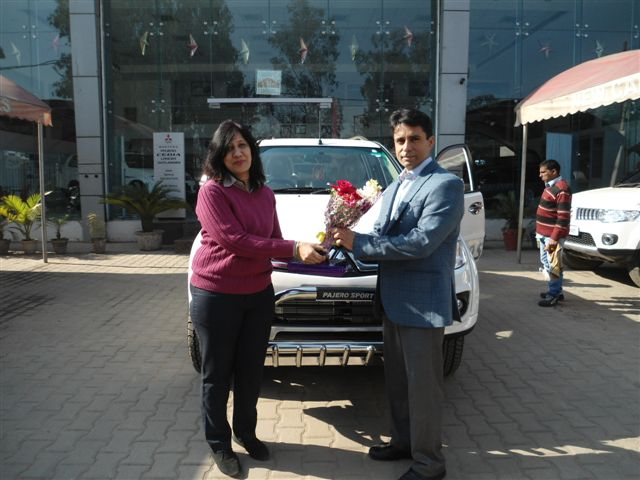 Mr. Nischal Kapoor taking delivery of his Pajero Sport @ Vivek Auto links, Ghaziabad